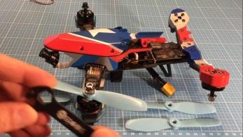v-tail210-05-props