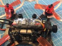 Die Antenne von FrSky XM wurde vorne über der Kamera befestigt